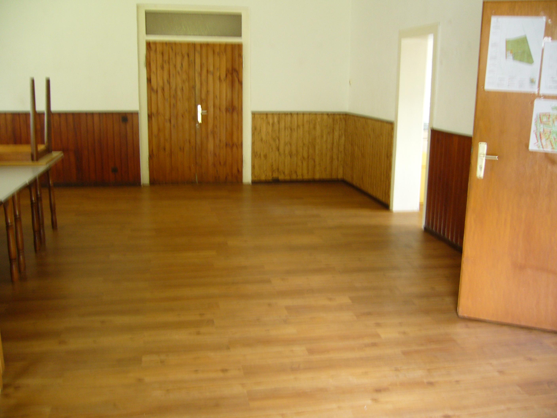 neuer fu bodenbelag im jugendheim kleing rtnerverein hainholz e v. Black Bedroom Furniture Sets. Home Design Ideas